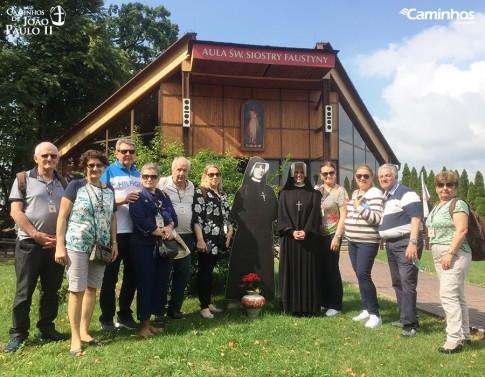 Família Caminhos no Santuário da Divina Misericórdia, Cracóvia, Polônia