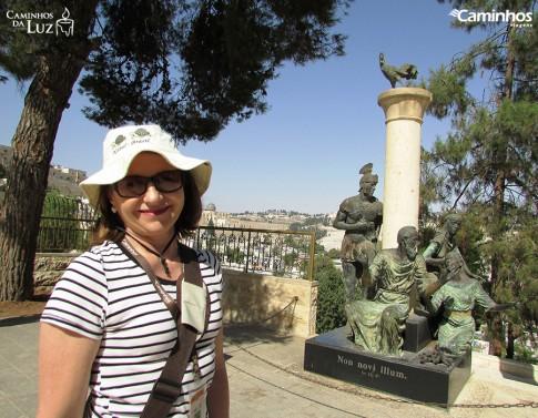 Estátua de São Pedro na Igreja de Gallicantu, Jerusalém, Israel