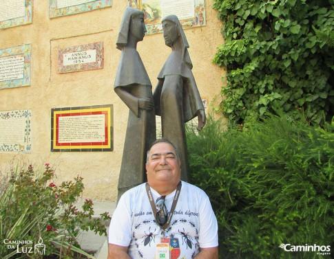 Estátuas de Maria e Isabel na Igreja da Visitação, Jerusalém, Israel