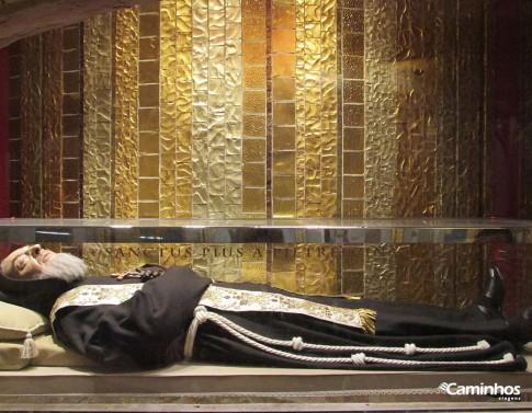 Corpo incorrupto de São Pe Pio, San Giovanni Rotondo, Itália