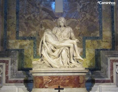 Pieta esculpida por Michelangelo na Basílica de São Pedro, Vaticano