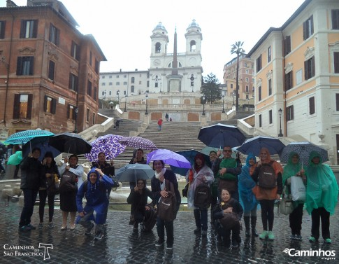 Família Caminhos na Praça da Espanha, Roma