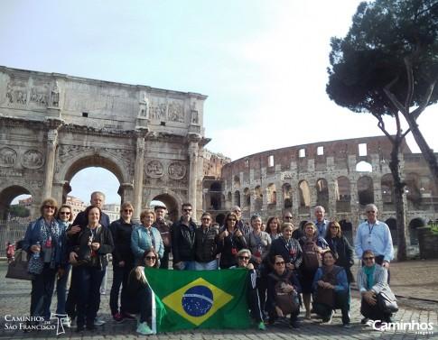 Família Caminhos no Coliseu, Roma