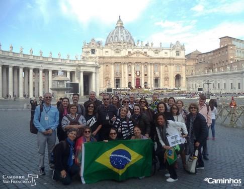 Família Caminhos no Vaticano