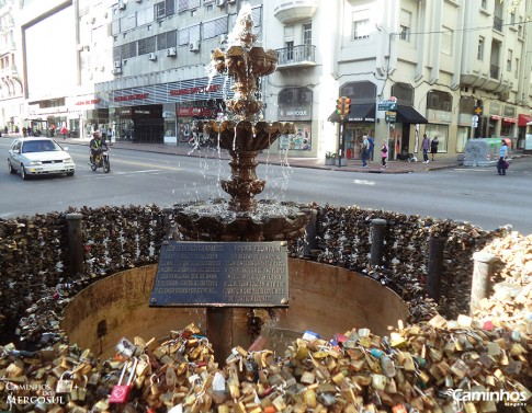 Fonte dos Cadeados, Avenida 18 de Julho, Montevidéu