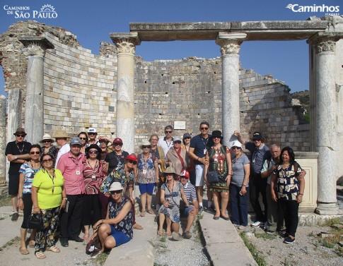 Família Caminhos em Éfeso, Turquia