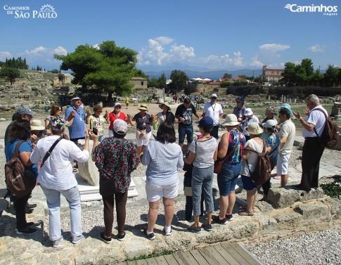 Caminheiros em Corinto, Grécia