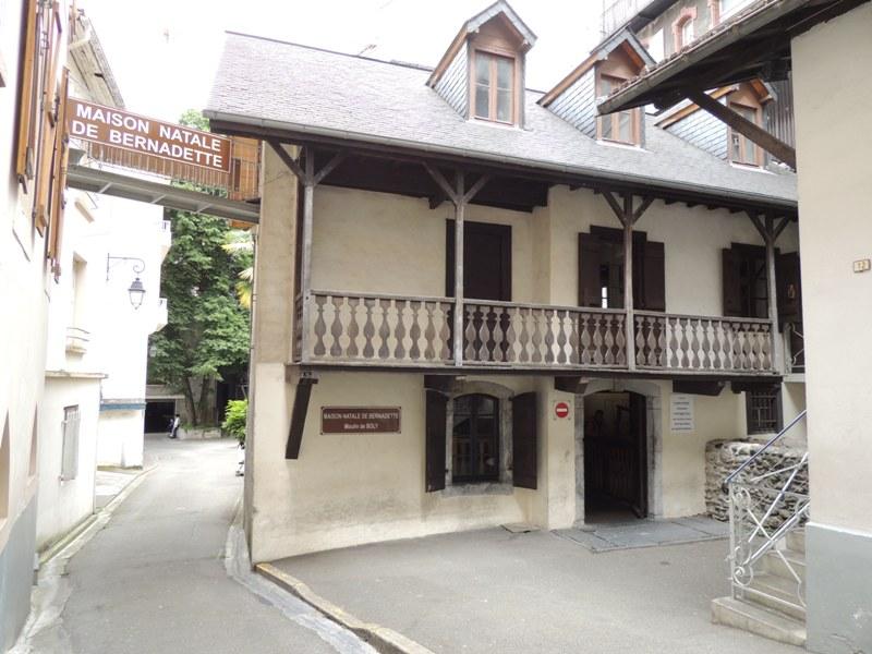 Lourdes caminhos viagens - Casa de lourdes ...